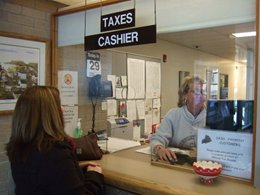 Customer at Taxes Cashier Counter